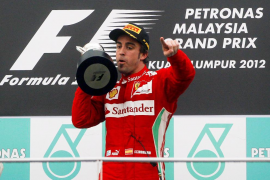 Alonso se impone a la lluvia y consigue la victoria en Gran Premio de Malasia