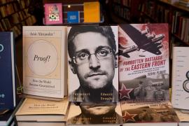 EEUU demanda a Snowden por violar el acuerdo de confidencialidad