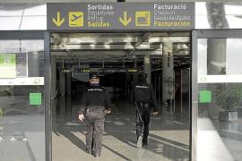 Condenado un británico por agredir a cuatro policías en el aeropuerto de Palma
