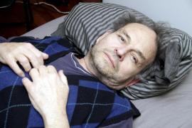 El jubilado en huelga de hambre por el catalán abandona por recomendación médica