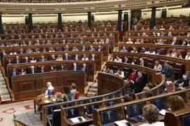 'Si no curráis, no cobráis': recogida de firmas para que los parlamentarios no cobren indemnización