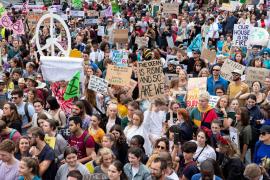 Cientos de miles de jóvenes de todo el mundo se movilizan para exigir acciones contra el cambio climático