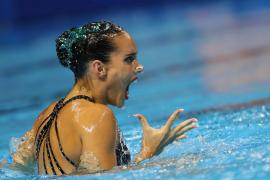La nadadora Ona Carbonell anuncia su retirada temporal de la competición