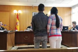 Dos años de cárcel para una pareja por un robo en plena calle en Palma