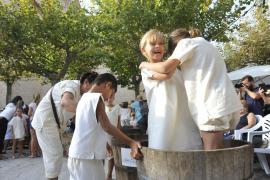 Los jóvenes pisan fuerte durante la Festa des Vermar