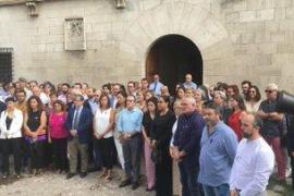 Minuto de silencio por la mujer asesinada en la Colònia de Sant Jordi