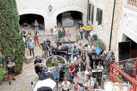 Netflix rueda 'White Lines' en una espectacular finca de Santa Maria