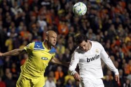 El Real Madrid pisa semifinales tras despertar al Apoel del sueño (0-3)