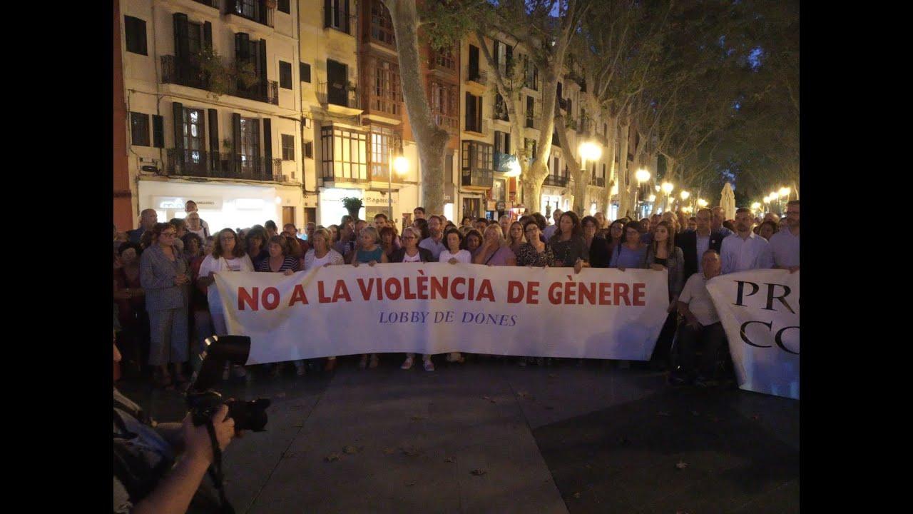 Concentraciones en la Isla en repulsa del crimen machista de la Colònia de Sant Jordi