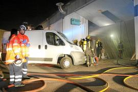 Alarma en el Polígon de Son Castelló al declararse un incendio en una carpintería