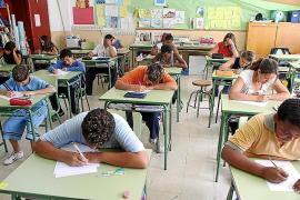 Educació despedirá antes de Pascua a los sustitutos de los docentes de baja que vuelvan tras las fiestas