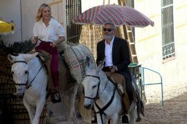 George Clooney pasea en burro por Navalcarnero