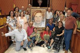El retrato de Caty Juan, hija predilecta de Mallorca, ya cuelga en el Consell