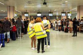 Orden y coordinación en el primer día de repatriaciones de clientes de Thomas Cook