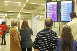 Las aerolíneas reprograman vuelos para evitar hoy el caos en Son Sant Joan