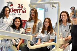 Familias mallorquinas donan dientes de leche en la campaña 'Ratón Pérez 2019' para un estudio científico