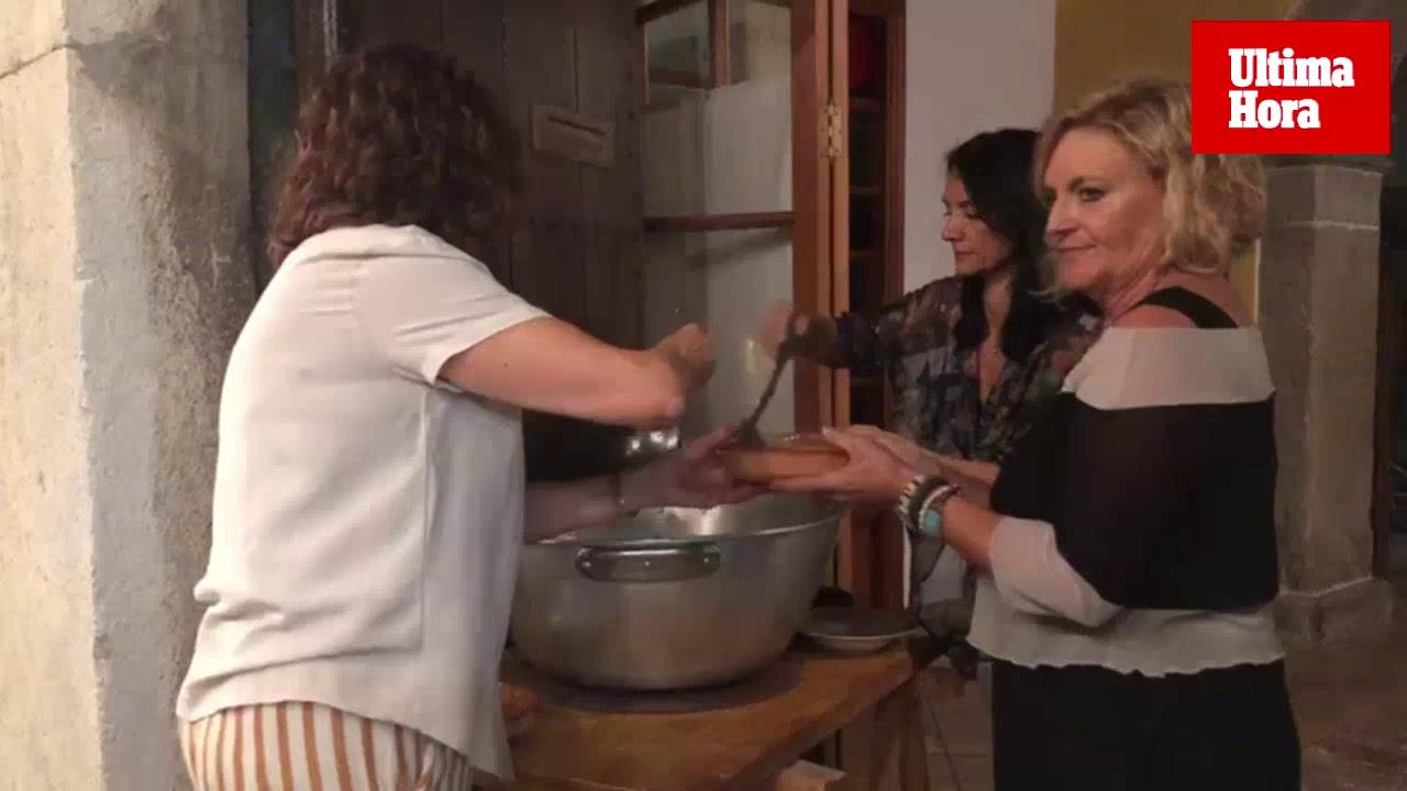 Fideos y vino en el 'sopar a la fresca' de Binissalem