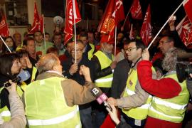 """El seguimiento de la huelga, un """"éxito"""" para los sindicatos y un """"fracaso"""" para el Govern"""