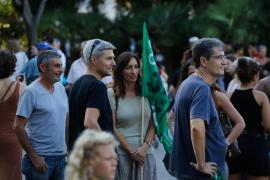 Medio millar de personas marchan en Ibiza en la huelga mundial por el clima en imágenes