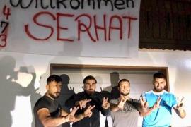 'La manada' de Cala Rajada homenajea al acusado que ha quedado en libertad