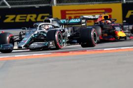 Hamilton reina en Rusia en un nuevo desastre de Ferrari