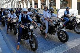 Motos clásicas y solidarias en las calles de Palma