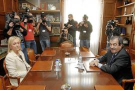 Cascos ofrece un acuerdo abierto al PP sin excluir darle la Presidencia