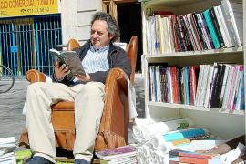 El Gremi d'Editors suspende la campaña de lectura 'Llibres Fora!'