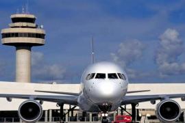 Exigirán a las aerolíneas preguntar al final de la compra del billete la condición de residente