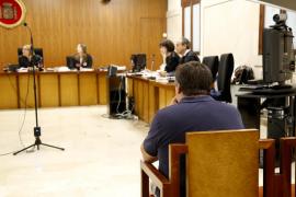 Condenado un director de banco de Mallorca por quedarse más de medio millón de euros