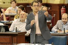 Negueruela prefiere un acuerdo con la patronal de cruceros antes que una ley