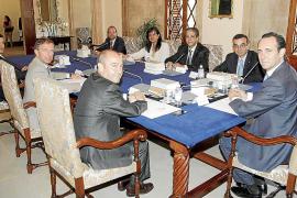 El Ejecutivo pagará en junio los «cientos de millones» que debe a los proveedores