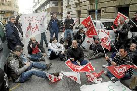 Los trabajadores de las ambulancias programadas van hoy a la huelga