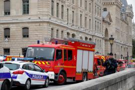 Cuatro fallecidos en un ataque en París