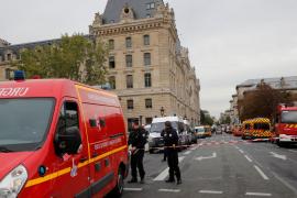 El agresor de la prefectura de París se había convertido al islam hace 18 meses