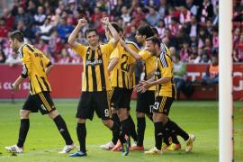 El Zaragoza deja malherido al Sporting