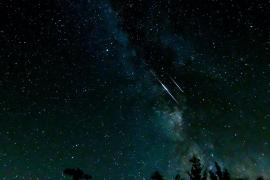 Llega la primera lluvia de estrellas del otoño: las dracónidas