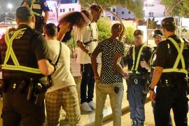 Las denuncias por incivismo en las zonas turísticas de Calvià caen un 20 % este verano