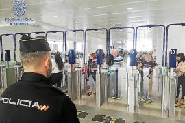 La red que introducía migrantes en Reino Unido tiene su base en Palma