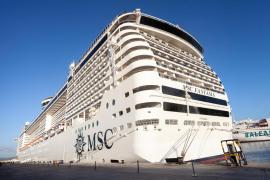 El buque 'Fantasía' de la naviera MSC Cruceros, en imágenes (Fotos: Daniel Espinosa).