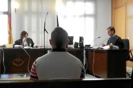 Expulsado del país un colombiano que apuñaló a un hombre en Palma