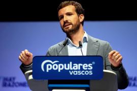 Casado ve una «broma de mal gusto» que Sánchez anuncie un plan de desbloqueo