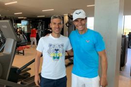Rafael Nadal recibe la visita de Salva Sevilla