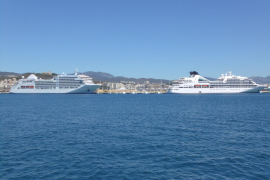 El pacto plantea un área de control de emisiones de barcos en el Mediterráneo