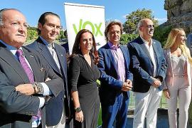 Jorge Campos, con los candidatos de Vox al Congreso y al Senado