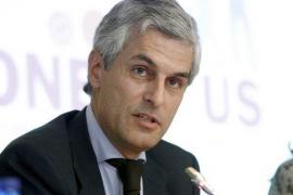 Adolfo Suárez acusa a Pedro Sánchez de manipular a los pensionistas