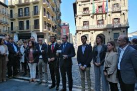 Casado afirma que «cualquier acuerdo» tras las elecciones «pasa por Navarra»