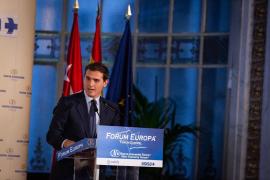 Rivera promete bajar el tipo de sociedades al 15 % a las pymes que reinviertan sus beneficios