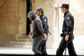 El acusado de quemar viva a su pareja en Alcúdia aceptará 30 años de cárcel