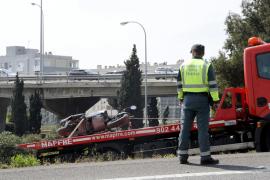 Fallece un motorista tras chocar contra una farola en la vía de cintura de Palma